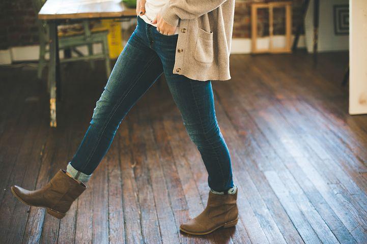 Mode femme : bottes ou bottines ?